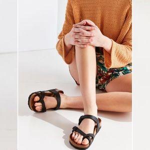 NWOT Birkenstock // Mayari Sandal